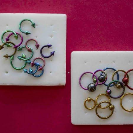 Piercings Aros multicolores