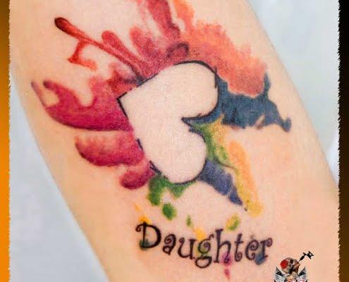 Tatuaje para mujer, Tatuaje Acuarela, Tatuaje Pequeño, Tatuaje Brazo, Corazón Multicolor