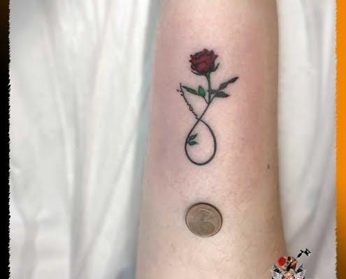 Tatuaje Mujer, Tatuaje Micro, Tatuaje Pequeño, Tatuaje Brazo, Rosita