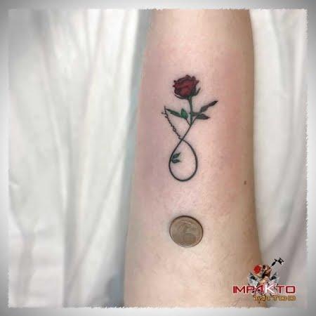 Tatuaje Pequeño Rosa